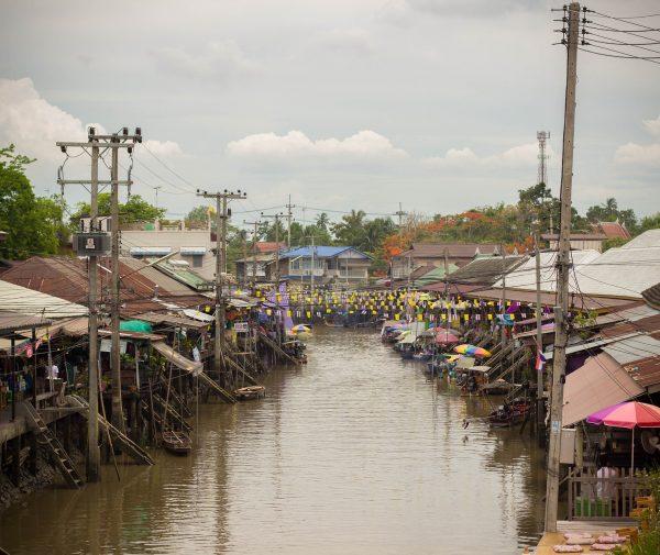 floating-market-650467_1920